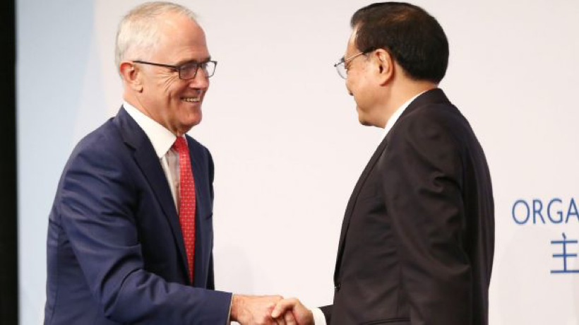 Symbolism: Prime Minister Malcolm Turnbull and Premier Li are united in opposition to trade protectionism. Photo: Brendon Thorne